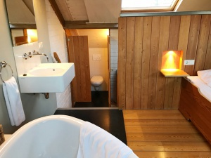 Toilet op de vide in de Lodge